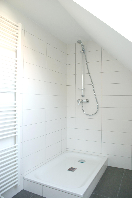 Dusche nach der Sanierung, Ergänzung mit Glastrennwand folgte